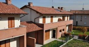 Albiolo Villa Bifamiliare Nuova Mq 180. Box Doppio e Giardino